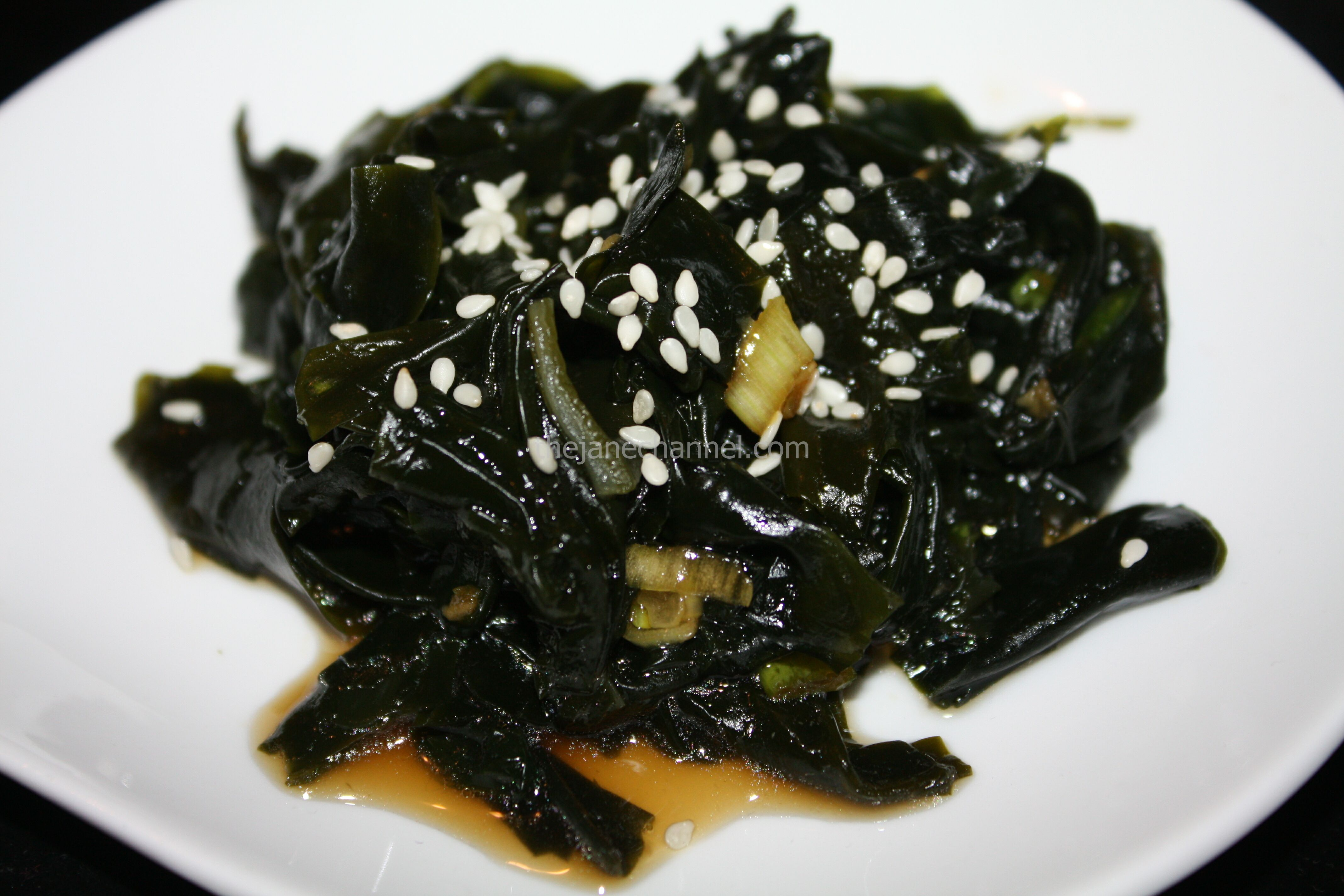 how to prepare wakame seaweed