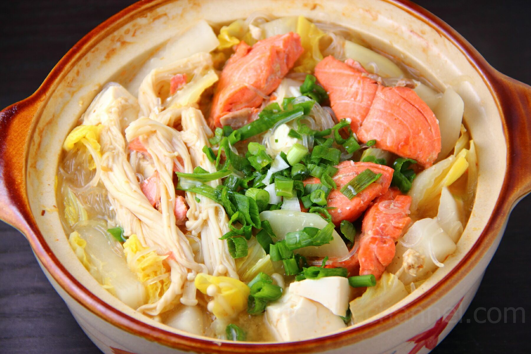 Ishikari Nabe (Japanese Salmon Miso Soup) | thejanechannel