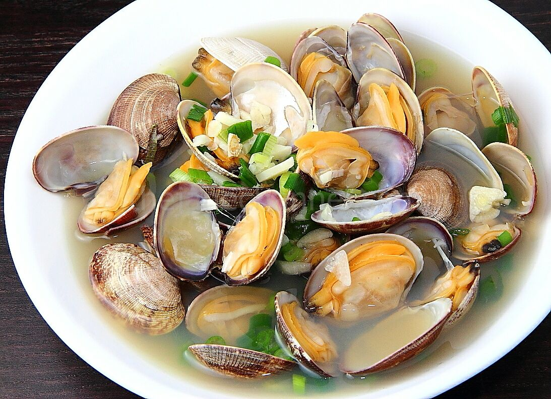 Sake-Steamed Clams | thejanechannel